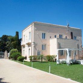 Hotel Villa Fanusa – Fontanebianche (SR)